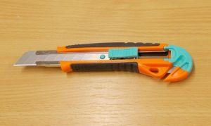 Odlamovací nůž R 10, s čepelí na kartony